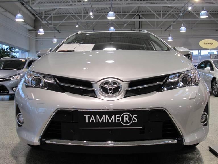 Maskisuoja Toyota Auris 2013-2015