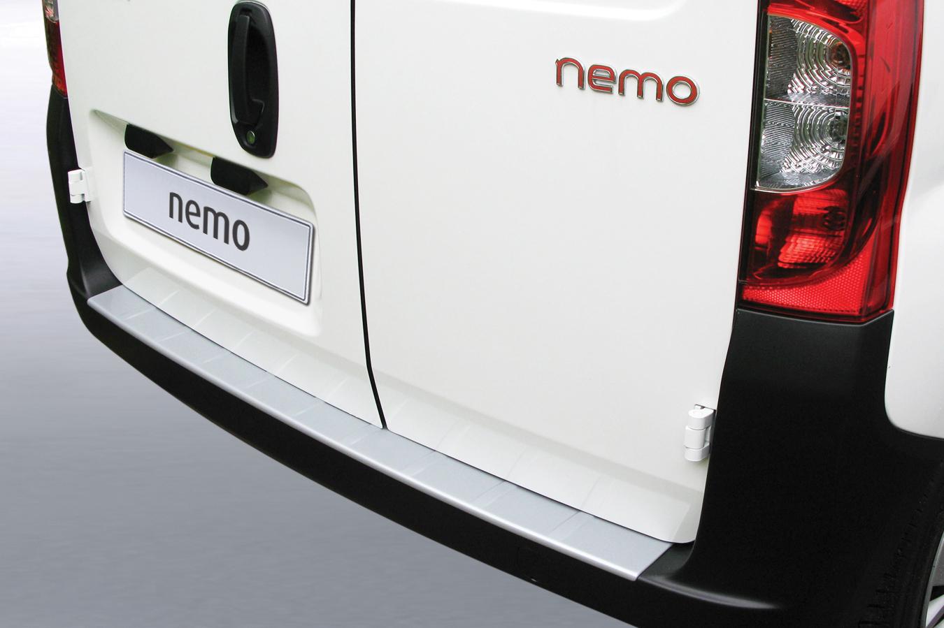 Takapuskurin kolhusuoja Citroen Nemo 09- / Fiat Fiorino 07-