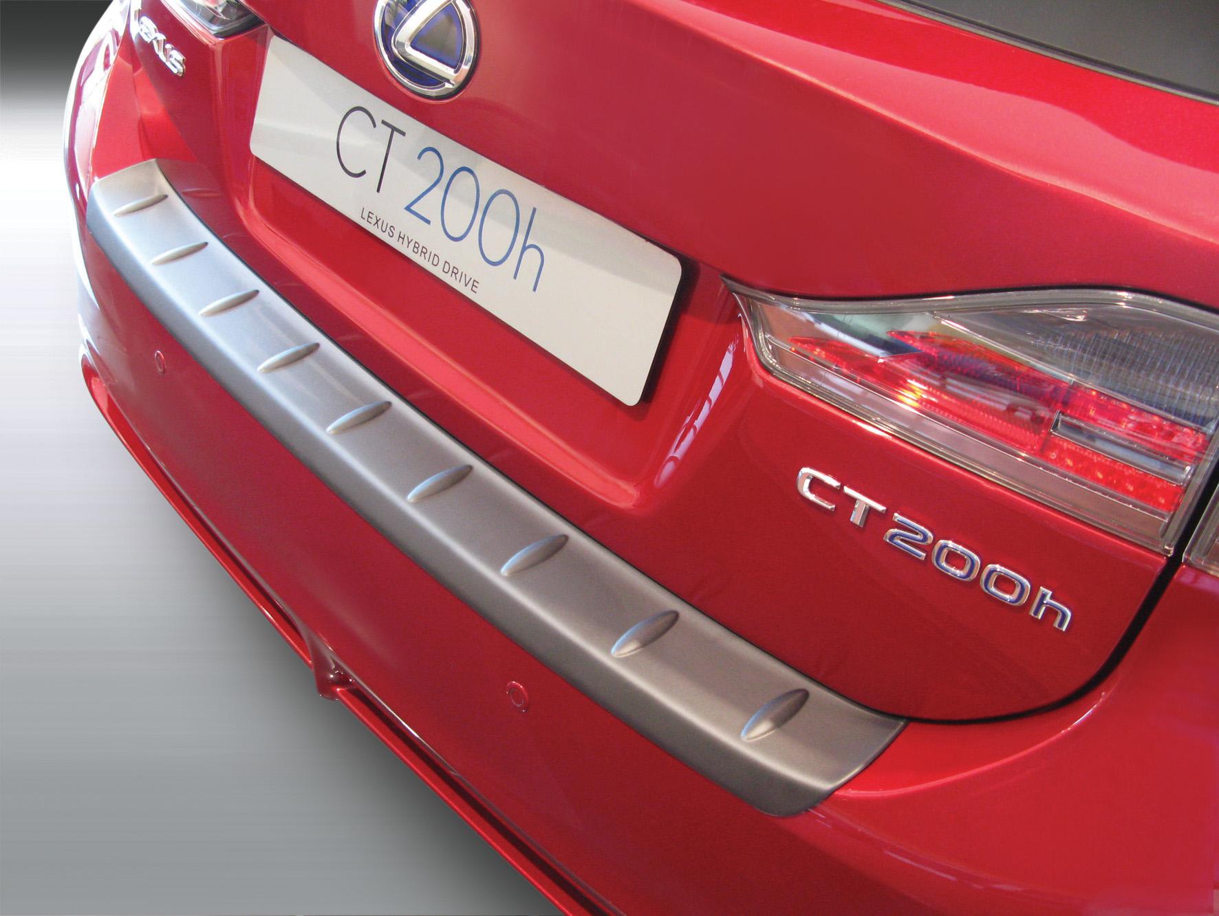 Takapuskurin kolhusuoja Lexus CT200H 3/2011-2/2014