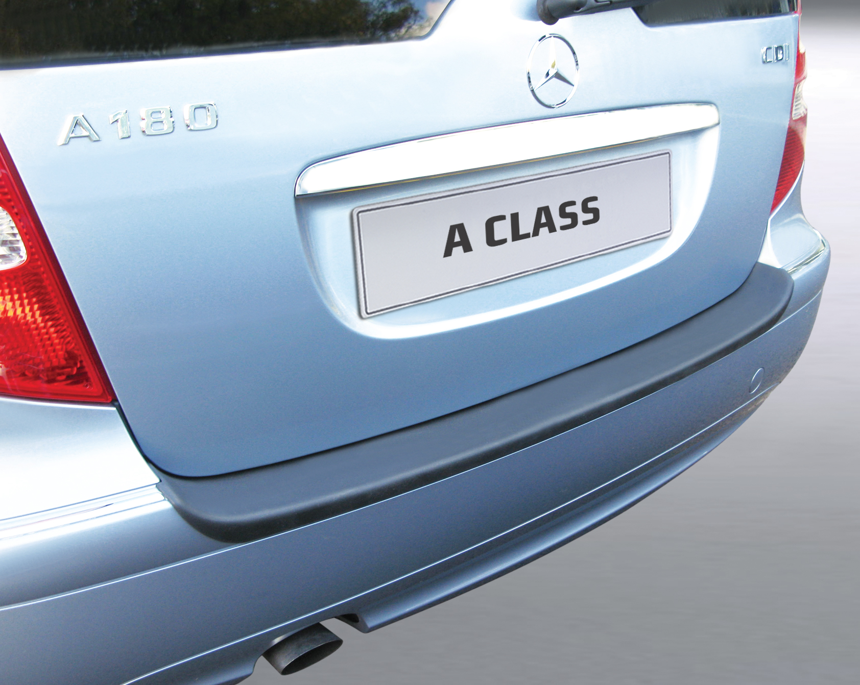 Takapuskurin kolhusuoja Mercedes A-sarja 5/2008-8/2012