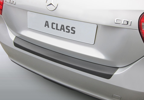 Takapuskurin kolhusuoja Mercedes A-sarja SE/Sport 7/2015-
