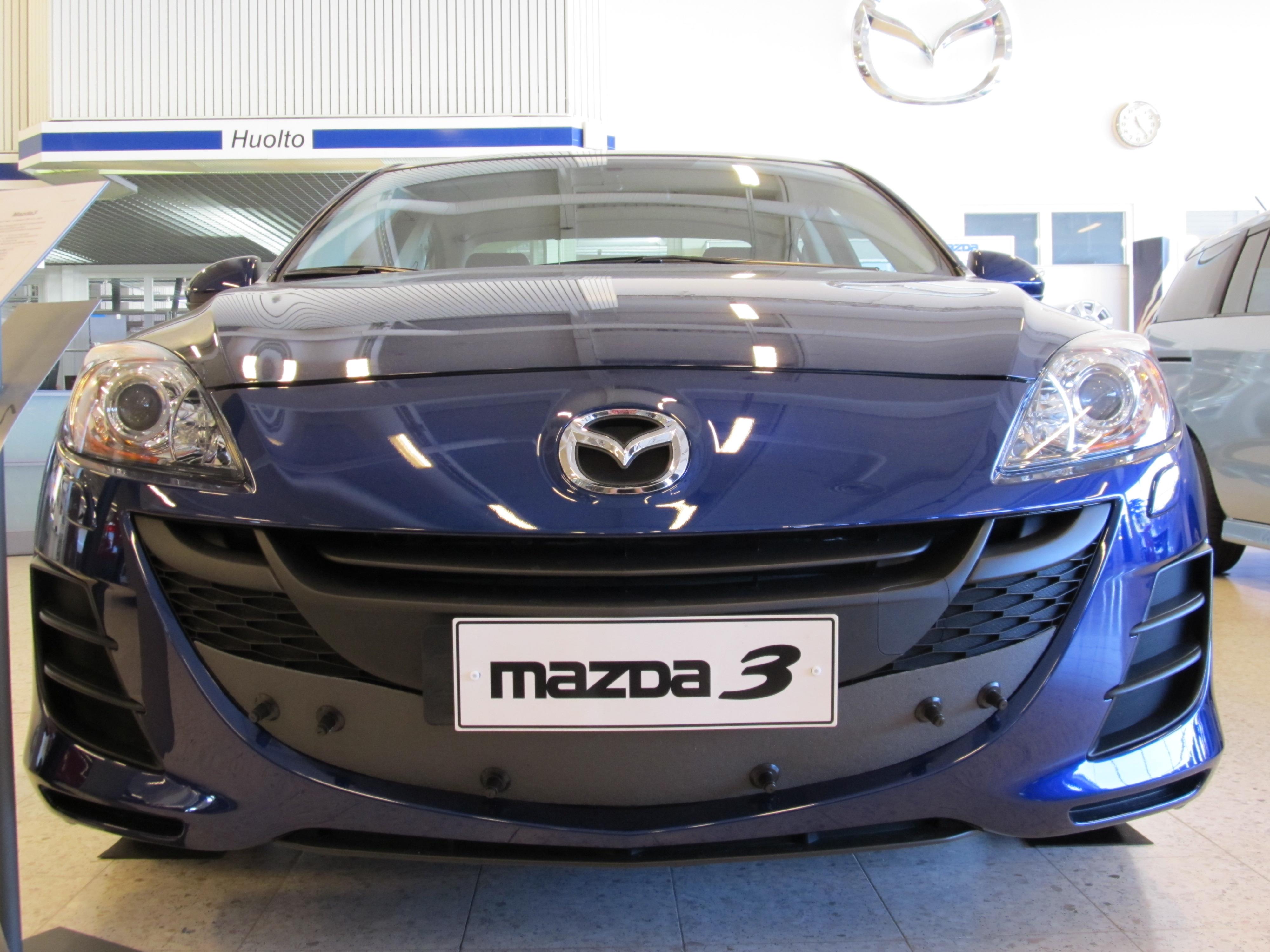 Maskisuoja Mazda 3 2010-
