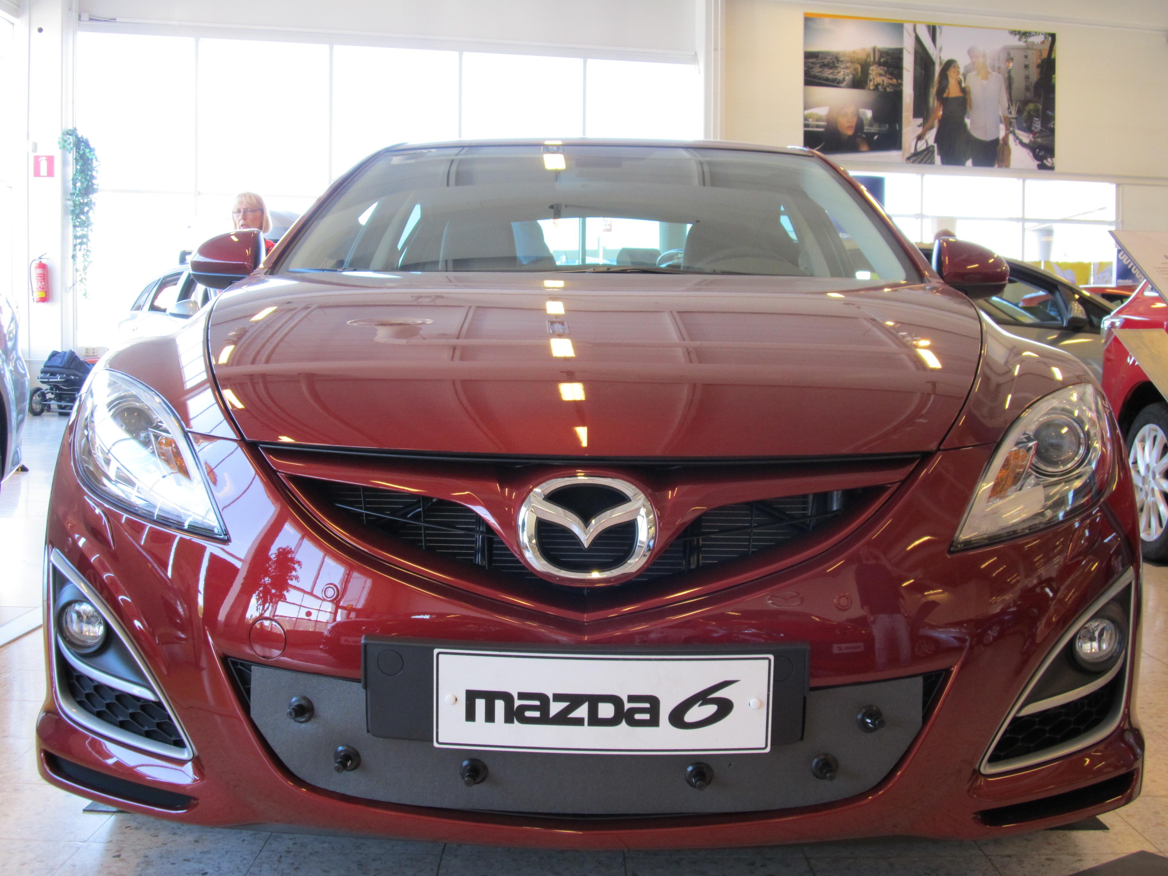 Maskisuoja Mazda 6 2010-2012 (Kopio)