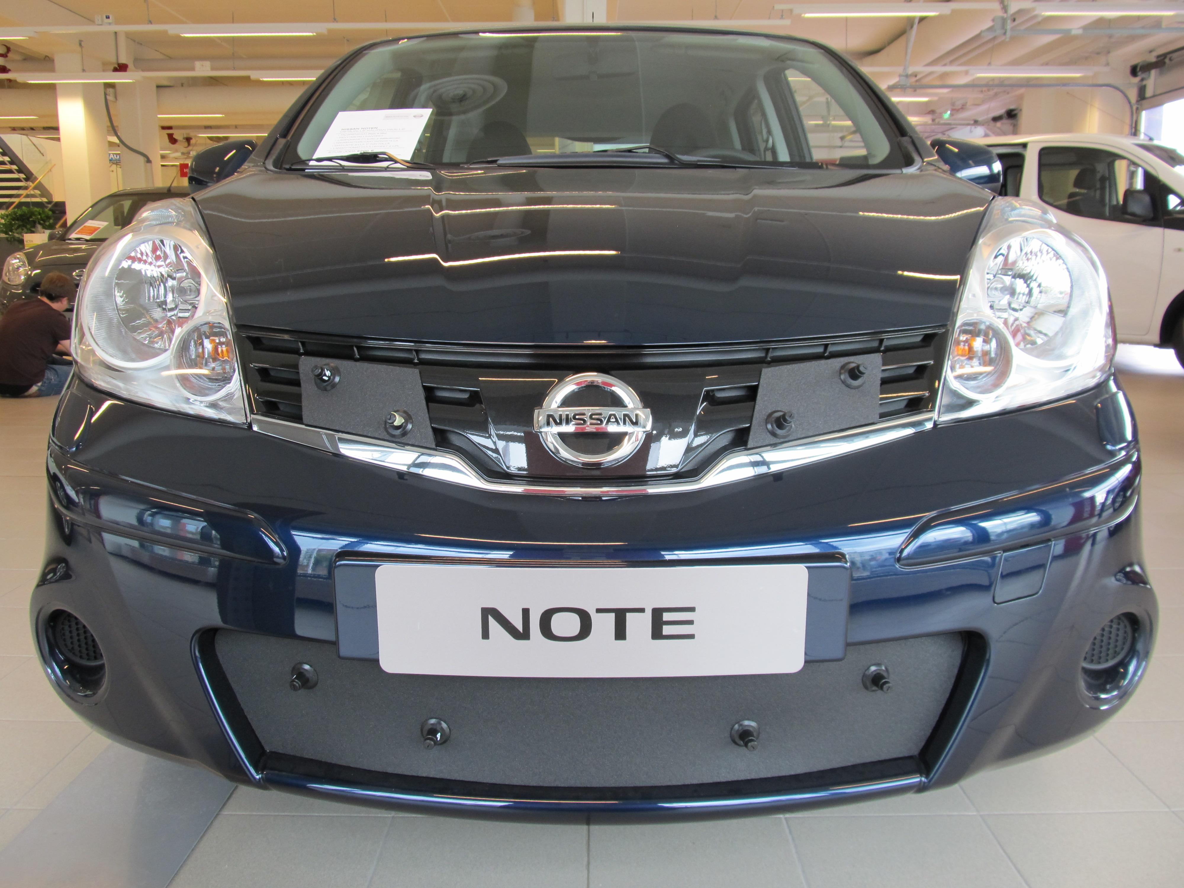 Maskisuoja Nissan Note 2009-2011
