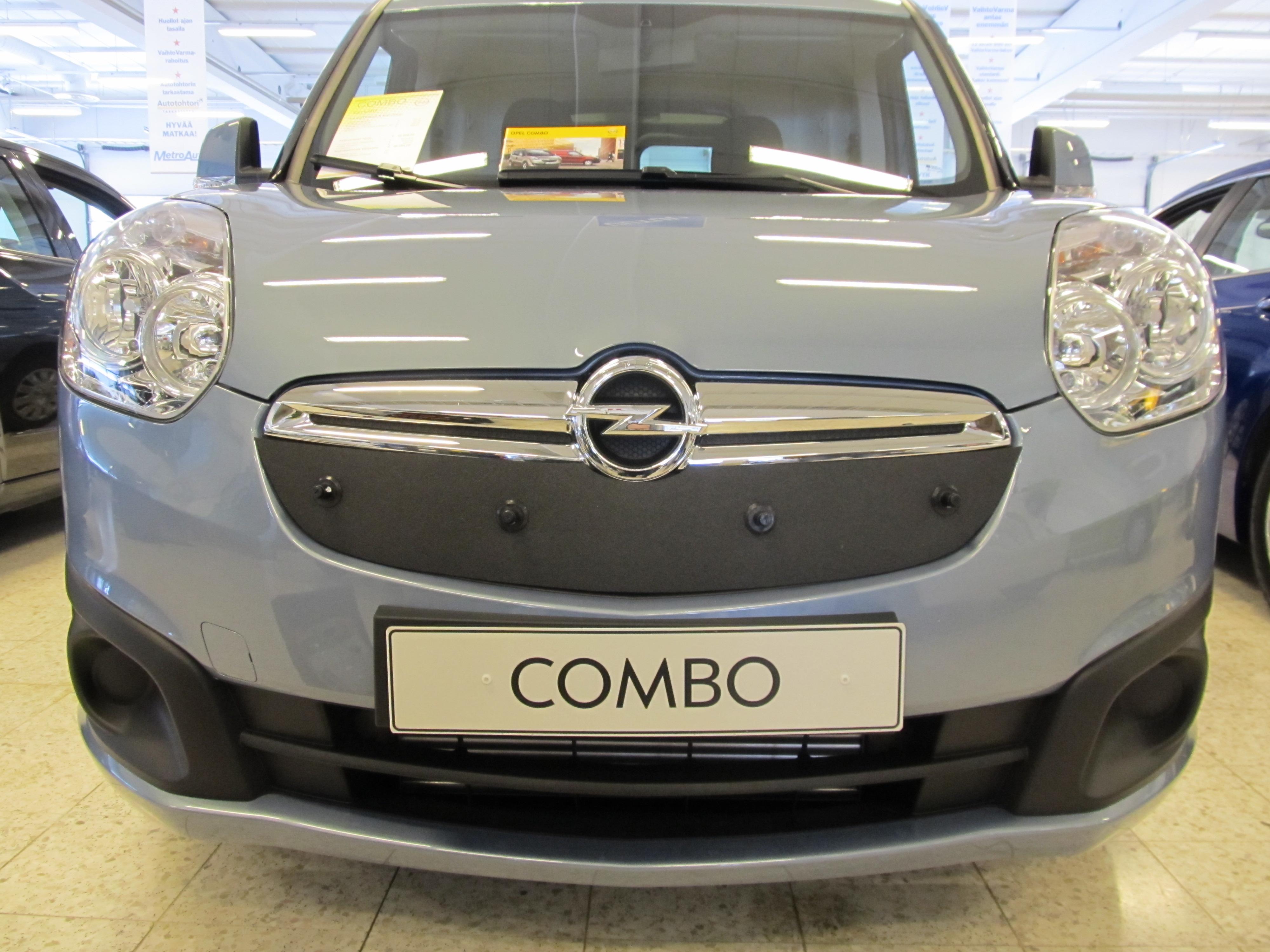 Maskisuoja Opel Combo 2012-