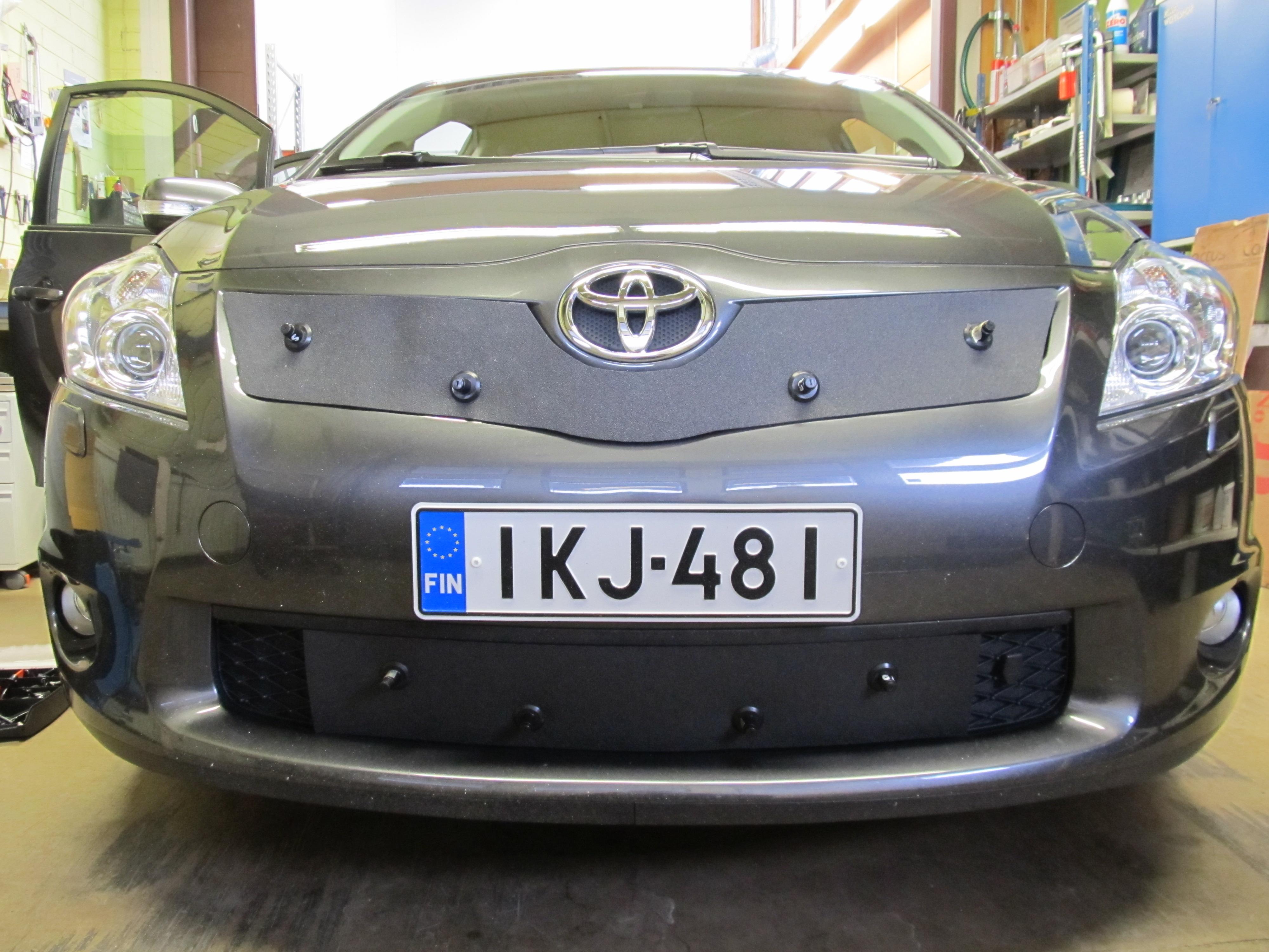 Maskisuoja Toyota Auris 06-09 (Kopio)