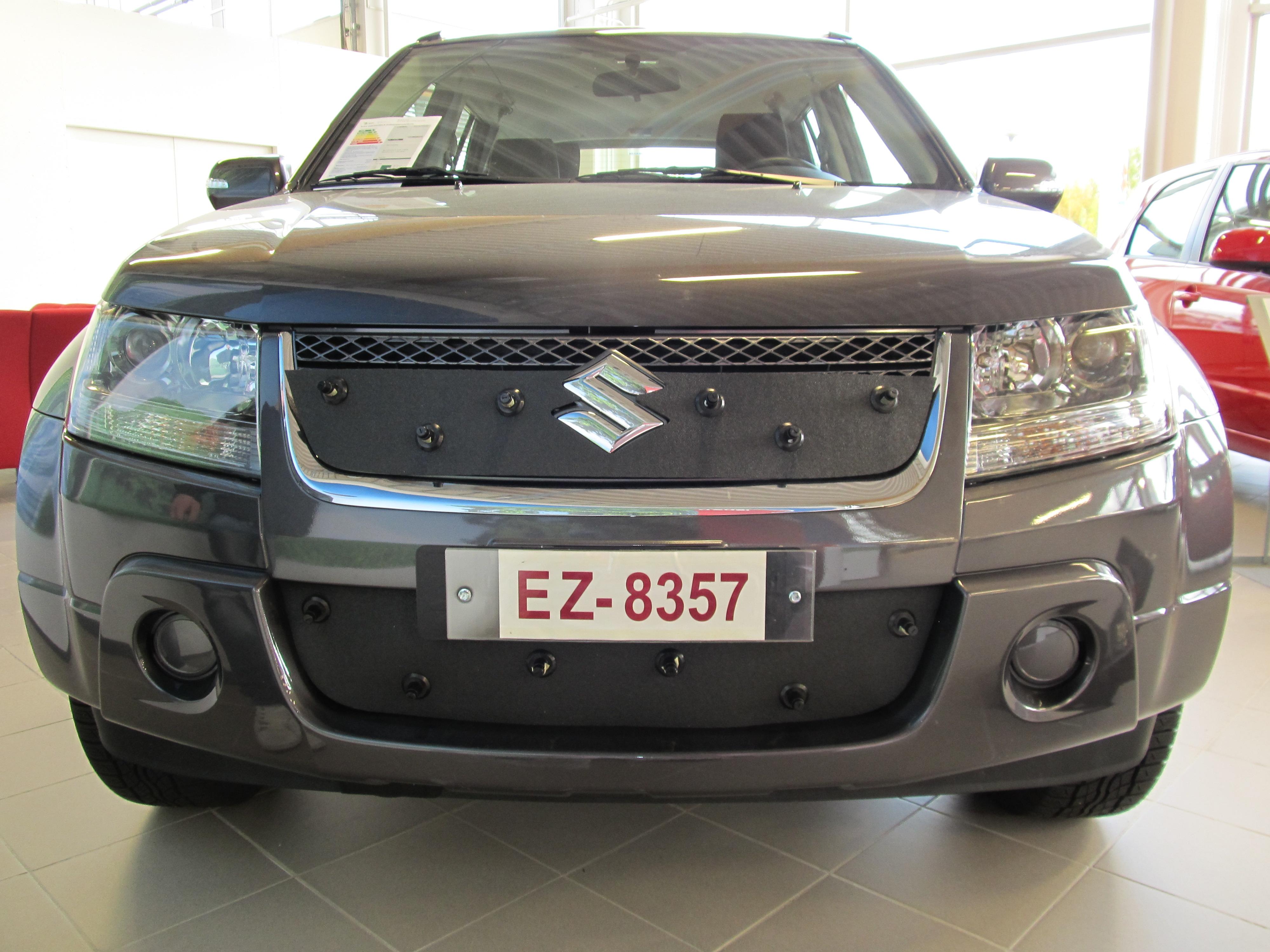 Maskisuoja Suzuki Grand Vitara 2006-2013
