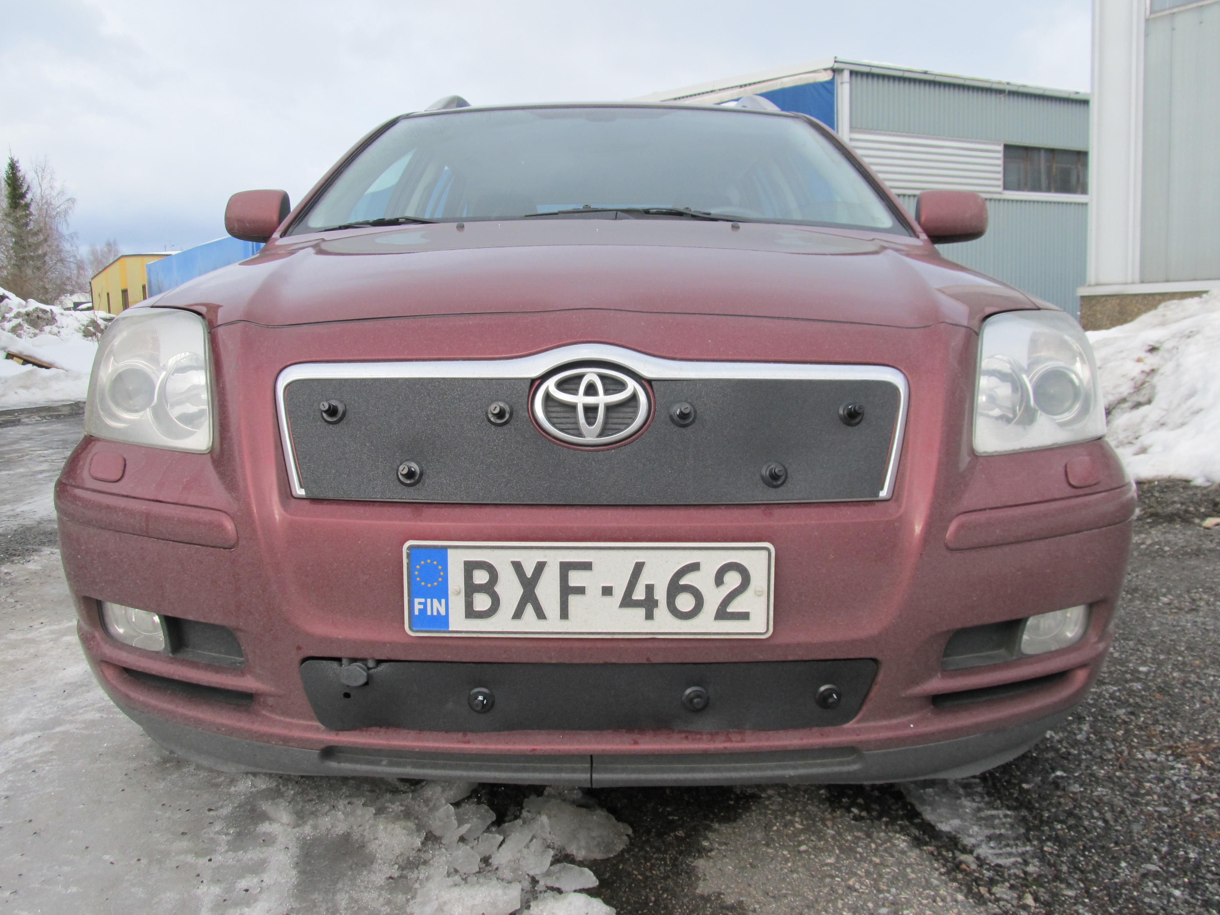 Maskisuoja Toyota Avensis 2004-2006