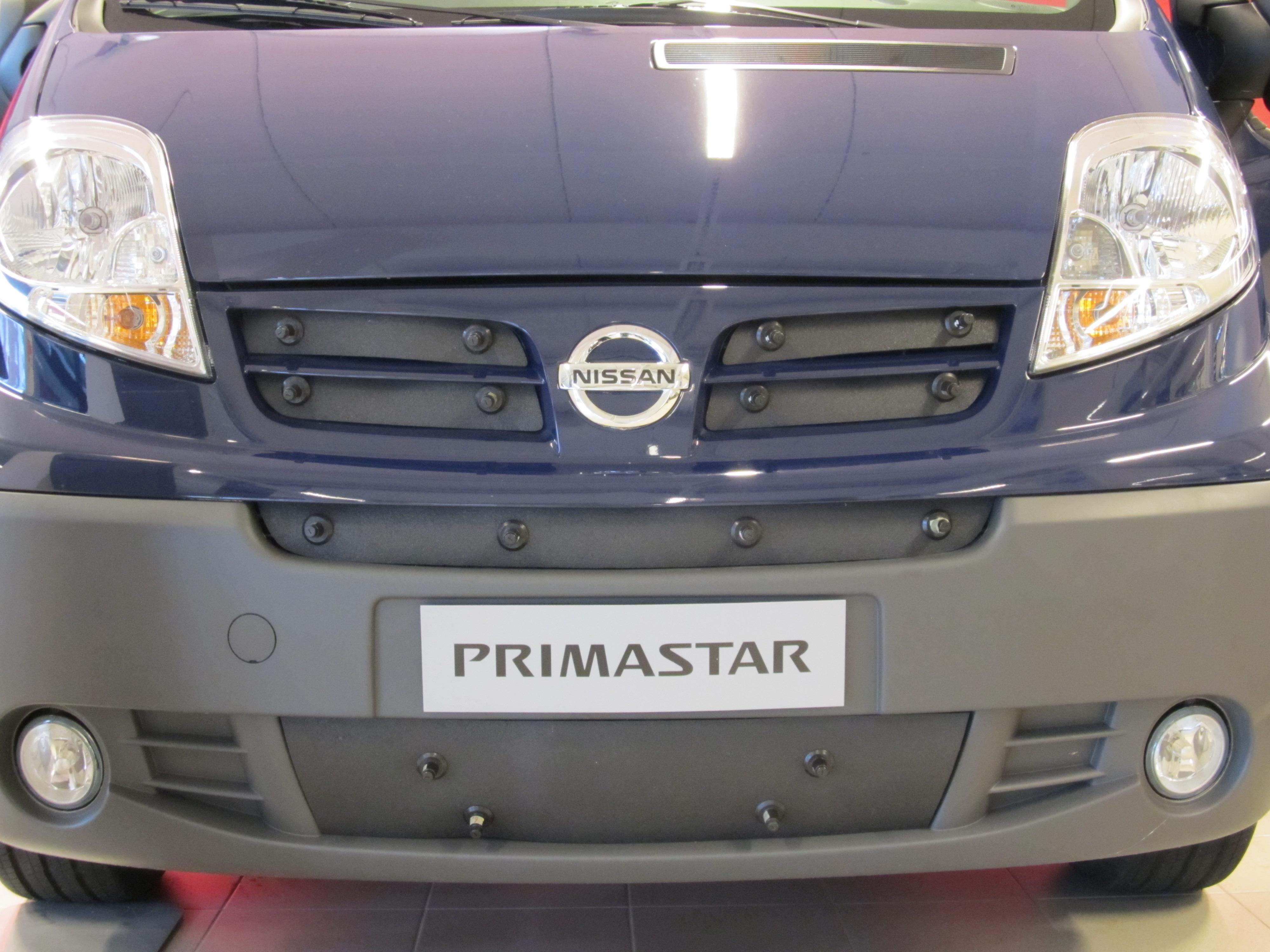 Maskisuoja Nissan NV400 2010- (Kopio)