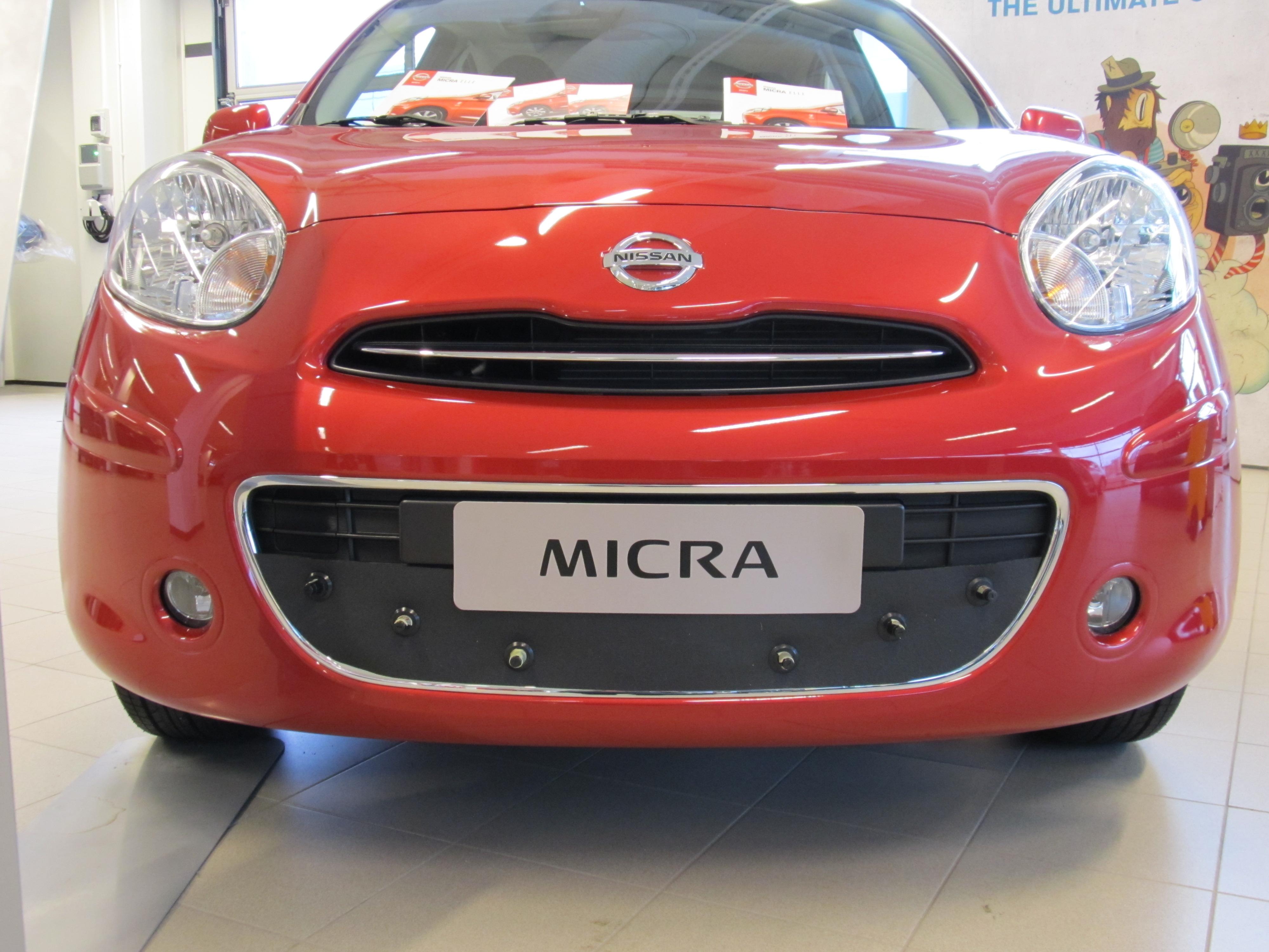 Maskisuoja Nissan Micra 2012-