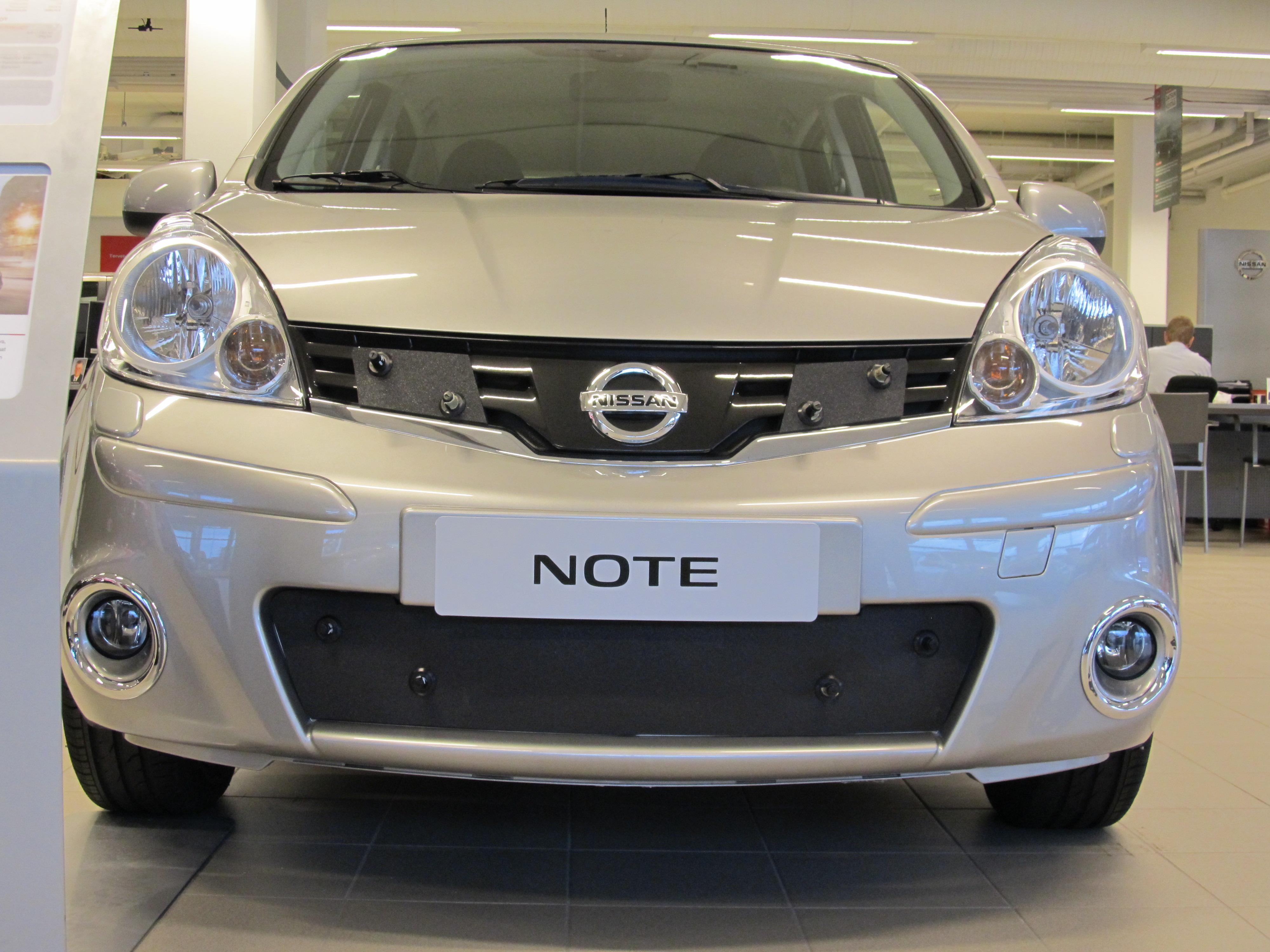 Maskisuoja Nissan Note 2009-2011 (Kopio)
