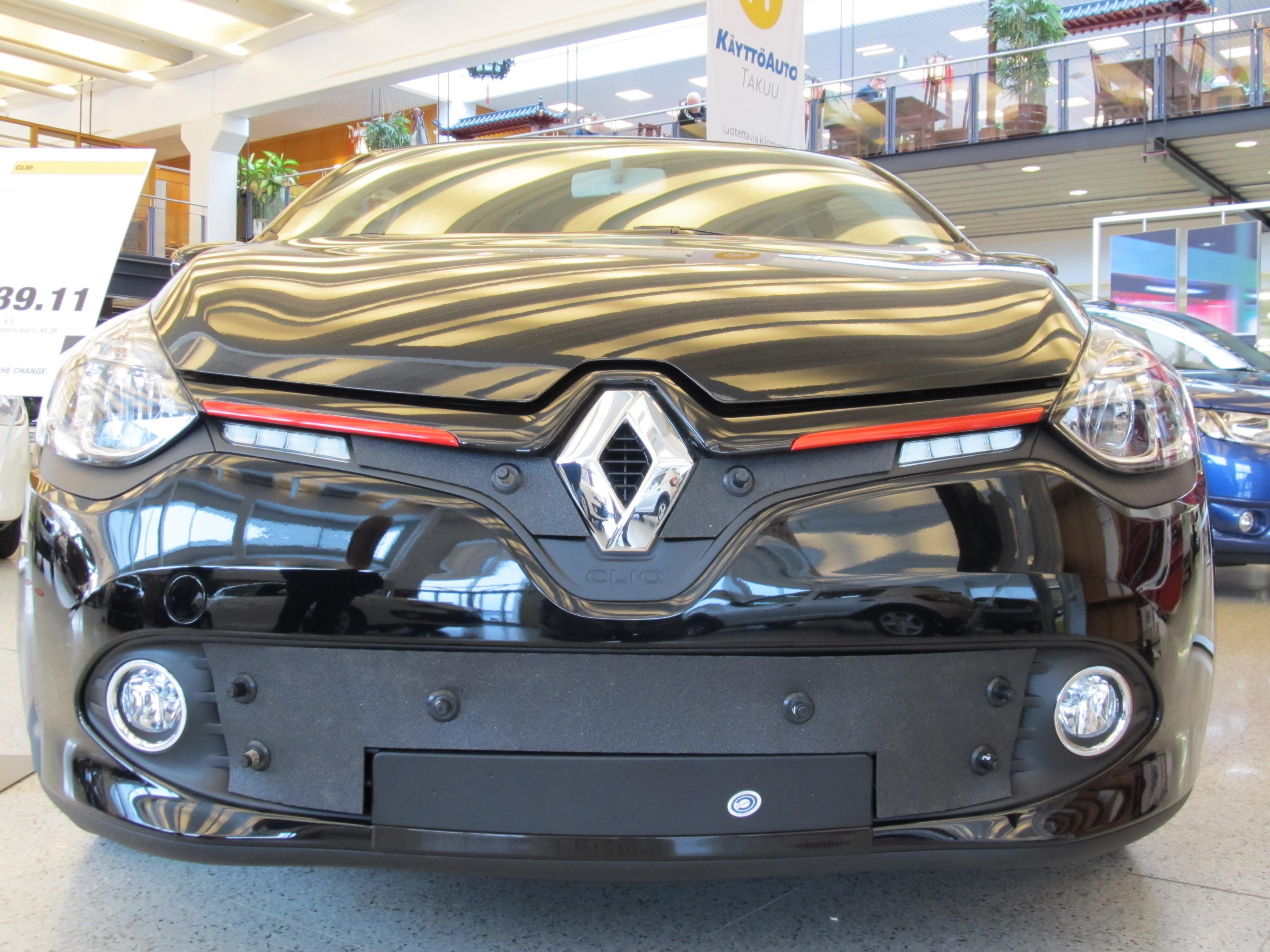 Maskisuoja Renault Clio 2010- (Kopio)