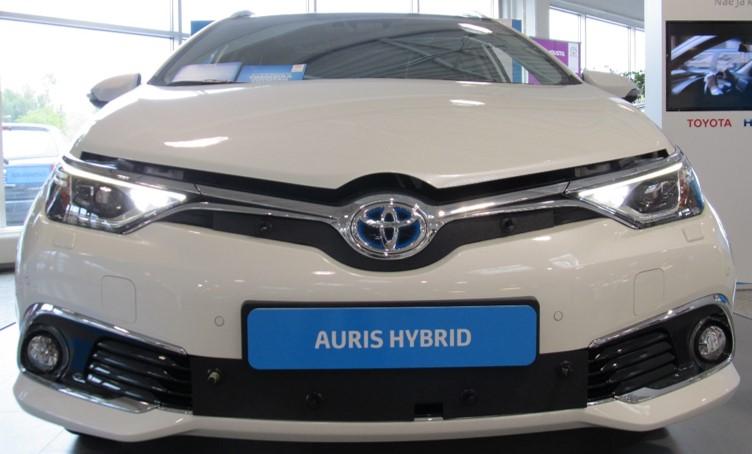Maskisuoja Toyota Auris Hybrid 2016-