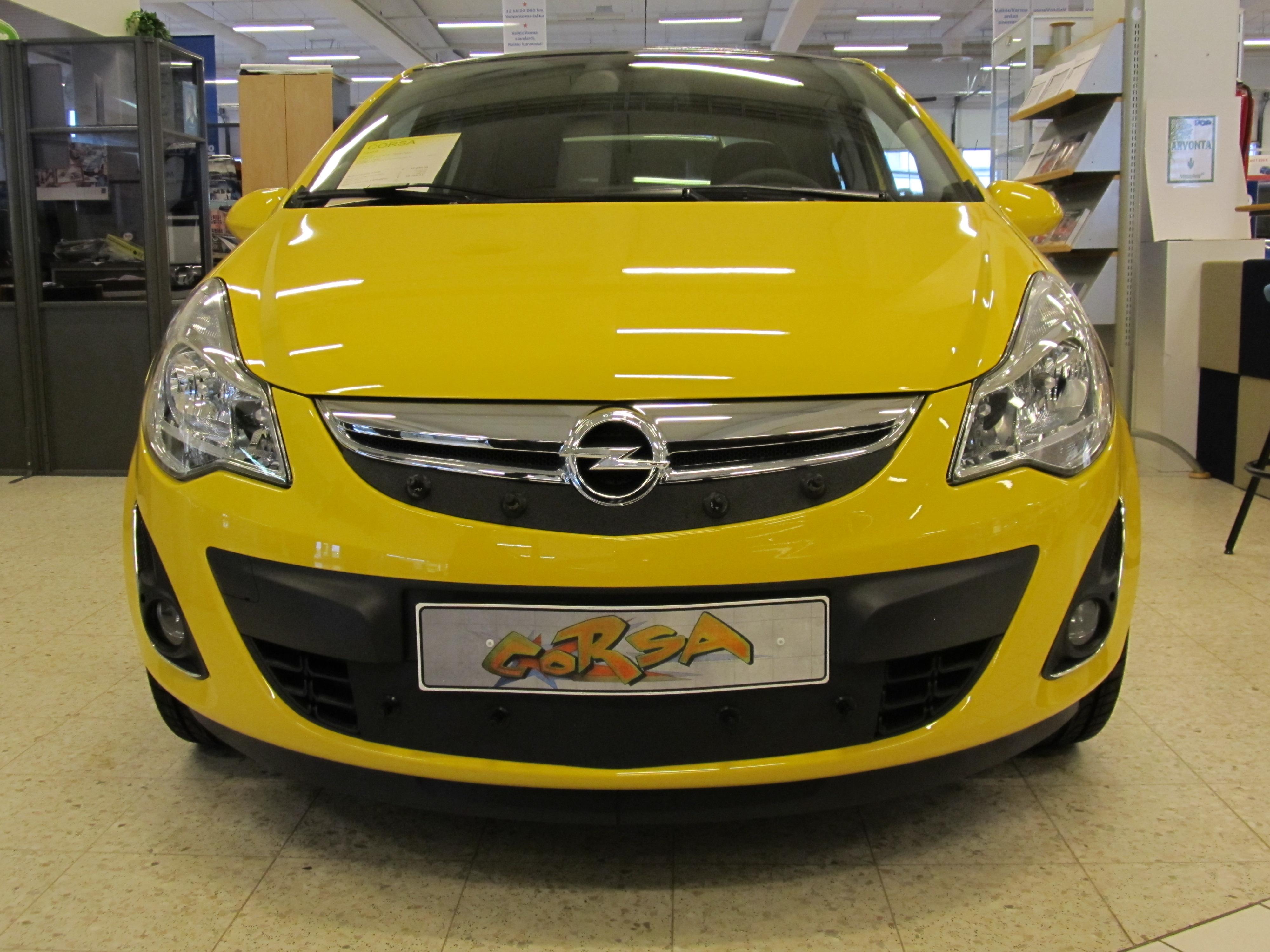 Maskisuoja Opel Corsa 2011-2014
