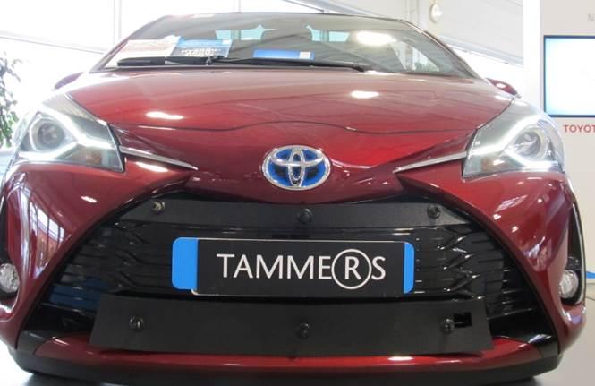 Maskisuoja Toyota Yaris Hybridi 2013- (Kopio)