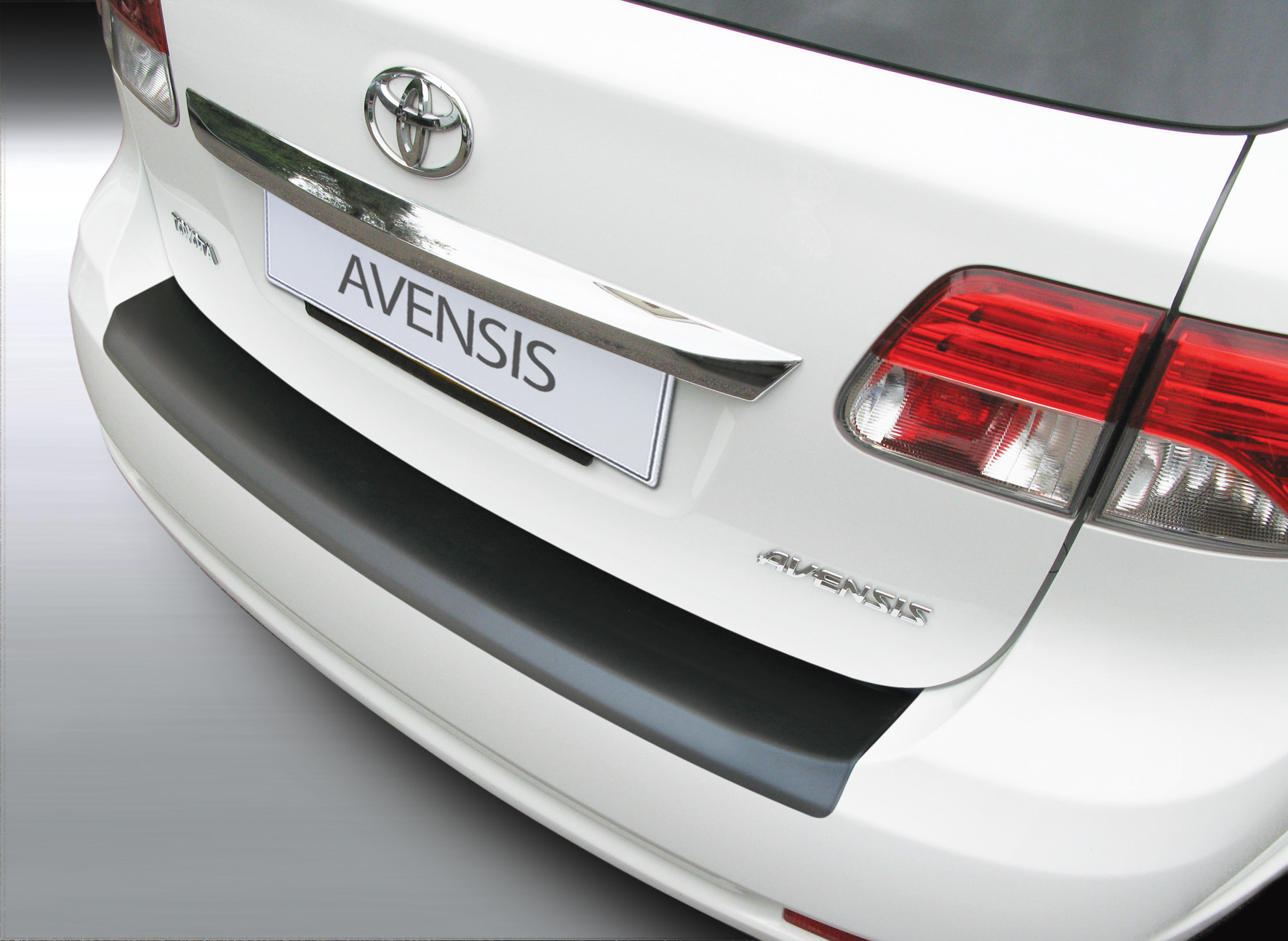 Takapuskurin kolhusuoja Toyota Avensis Estate 1/2012-