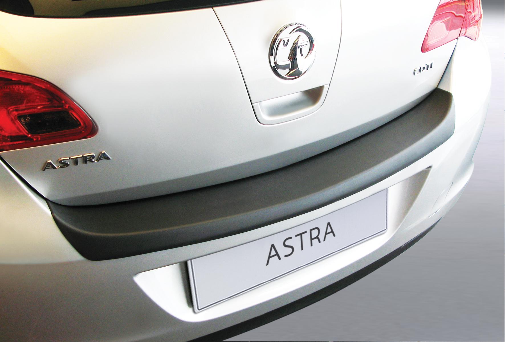 Takapuskurin kolhusuoja Opel Astra J 5d 12/2009-