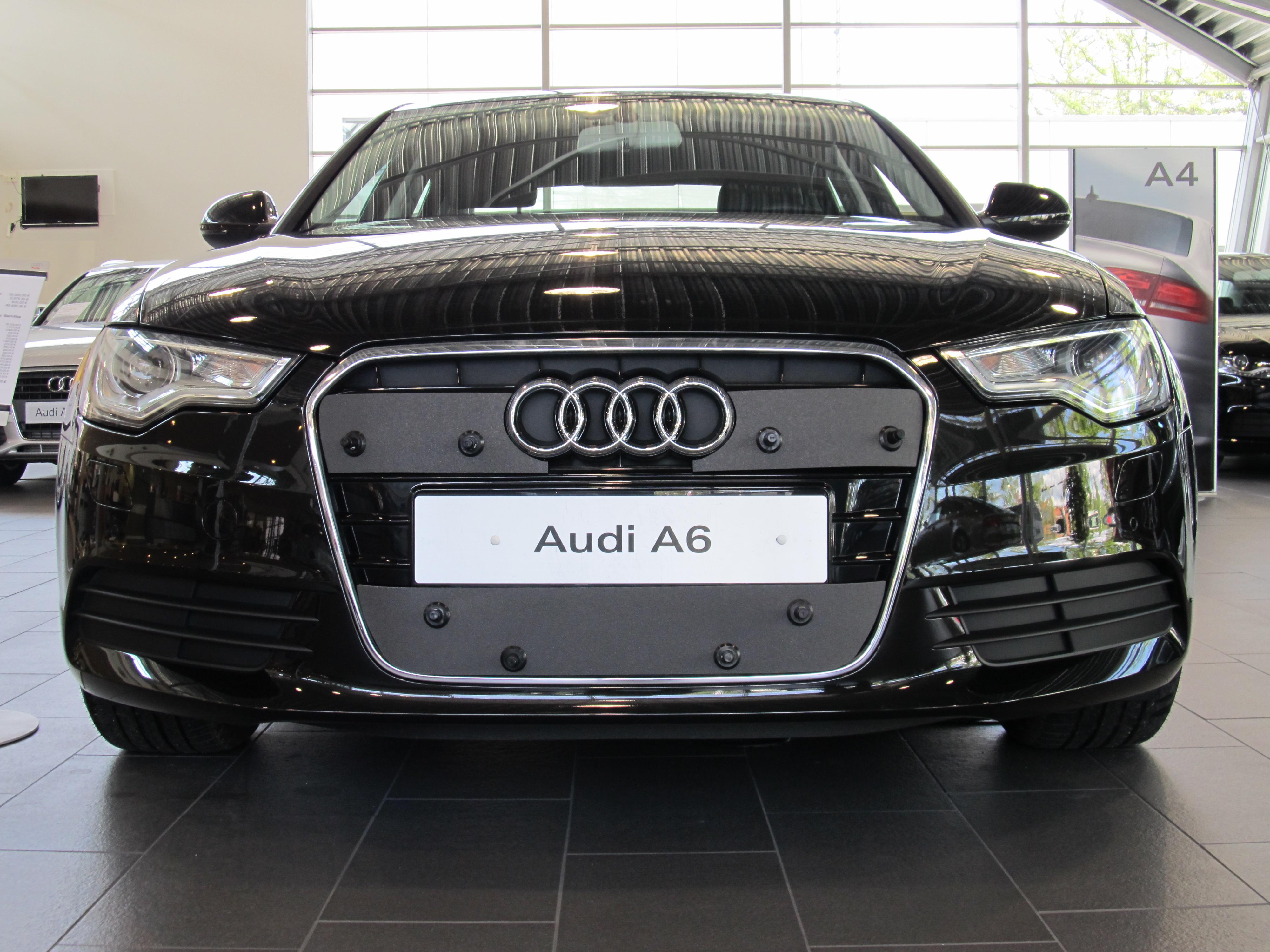 Maskisuoja Audi A6 2011–>