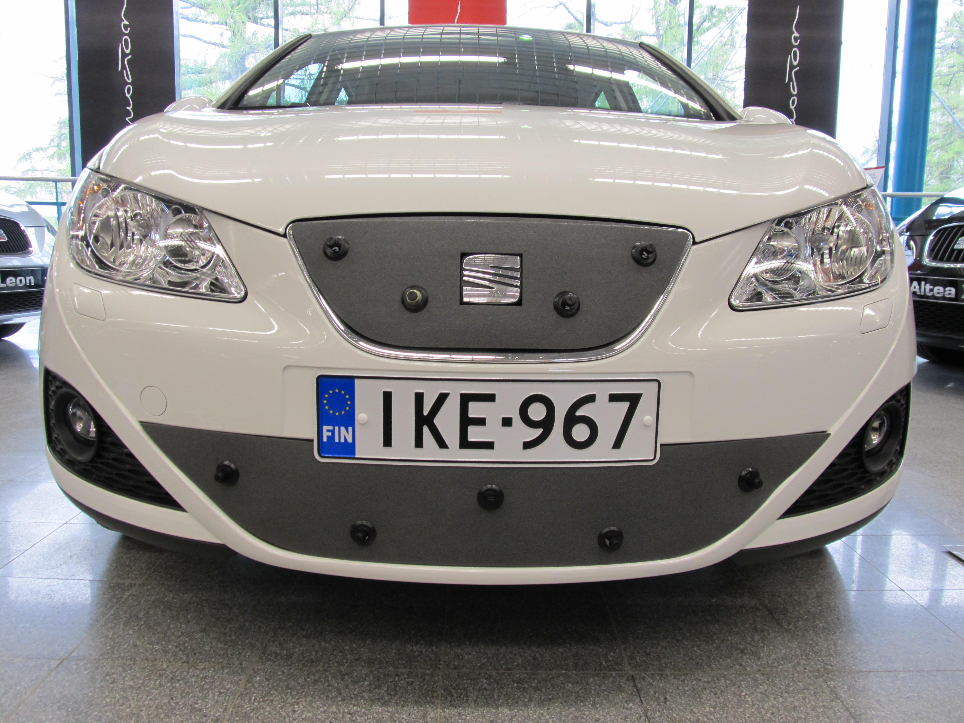 Maskisuoja Seat Ibiza ST 2009-2012