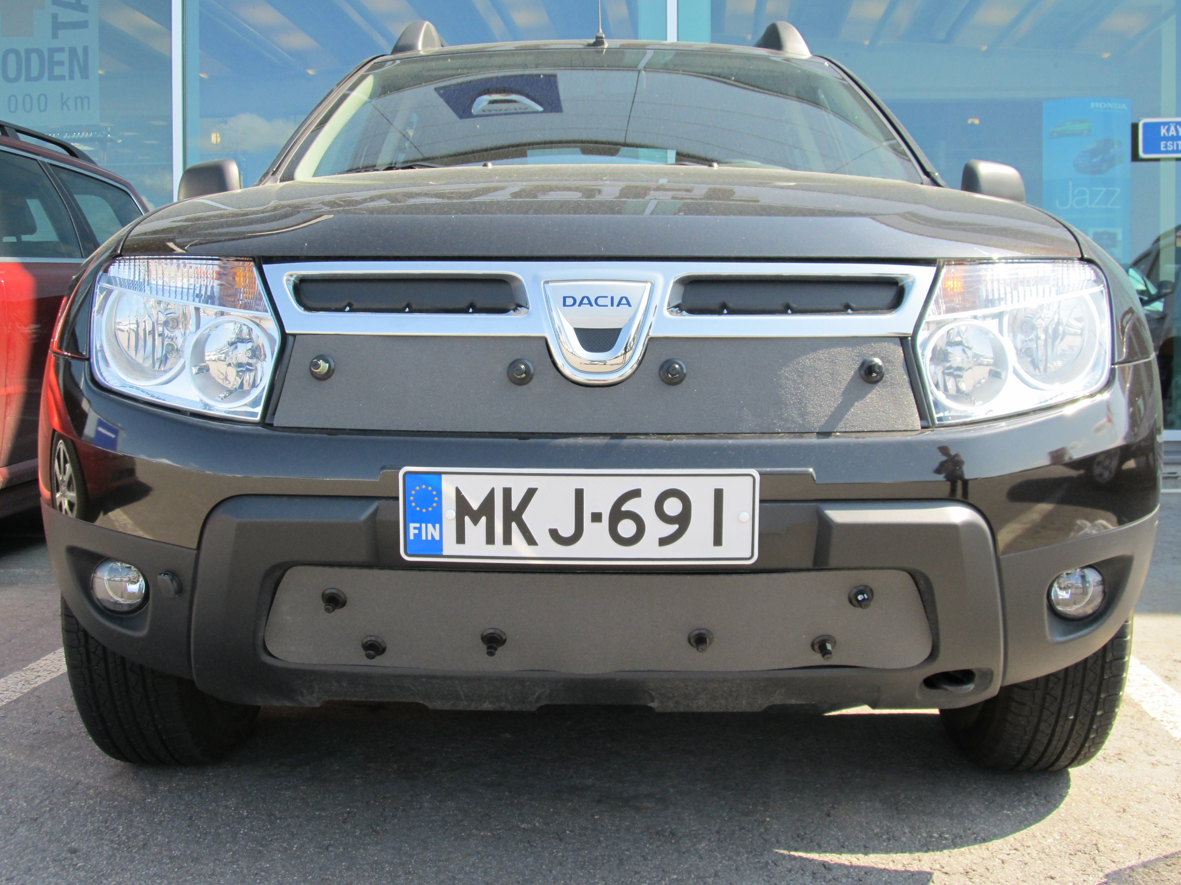 Maskisuoja Dacia Duster 2010-2013