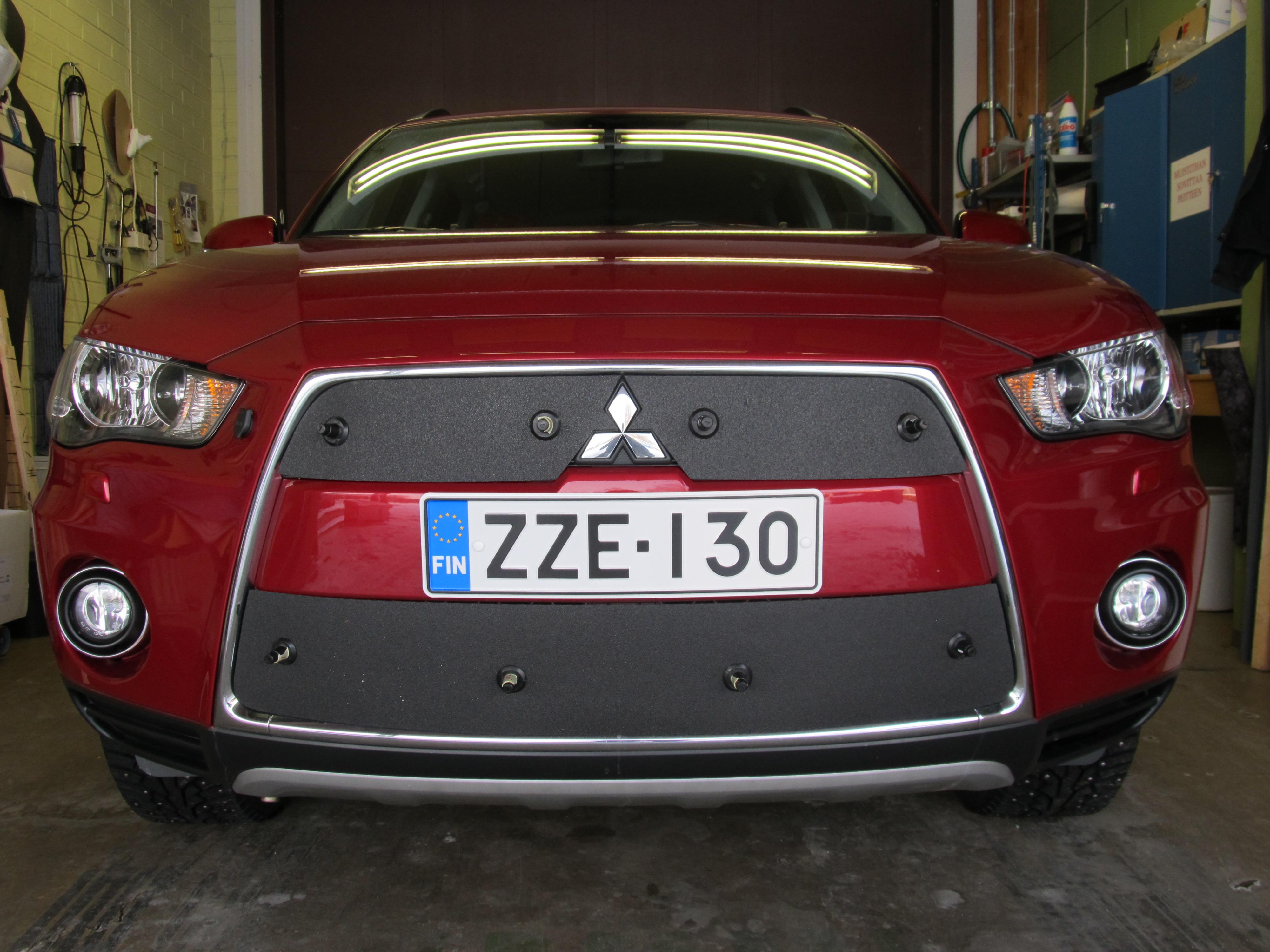 Maskisuoja Mitsubishi Outlander 2011-2012
